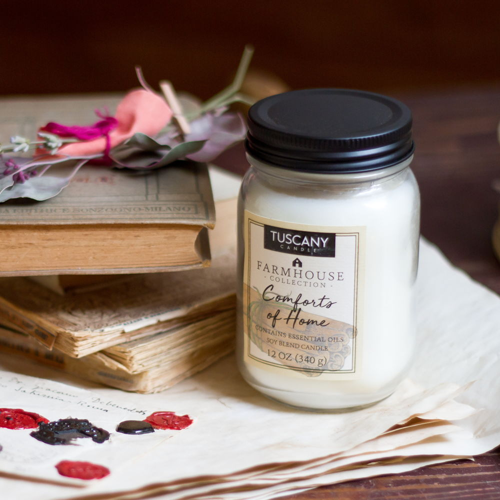 Candela Comforts of home cannella, noce moscata e pepe della Giamaica Tuscany Candle