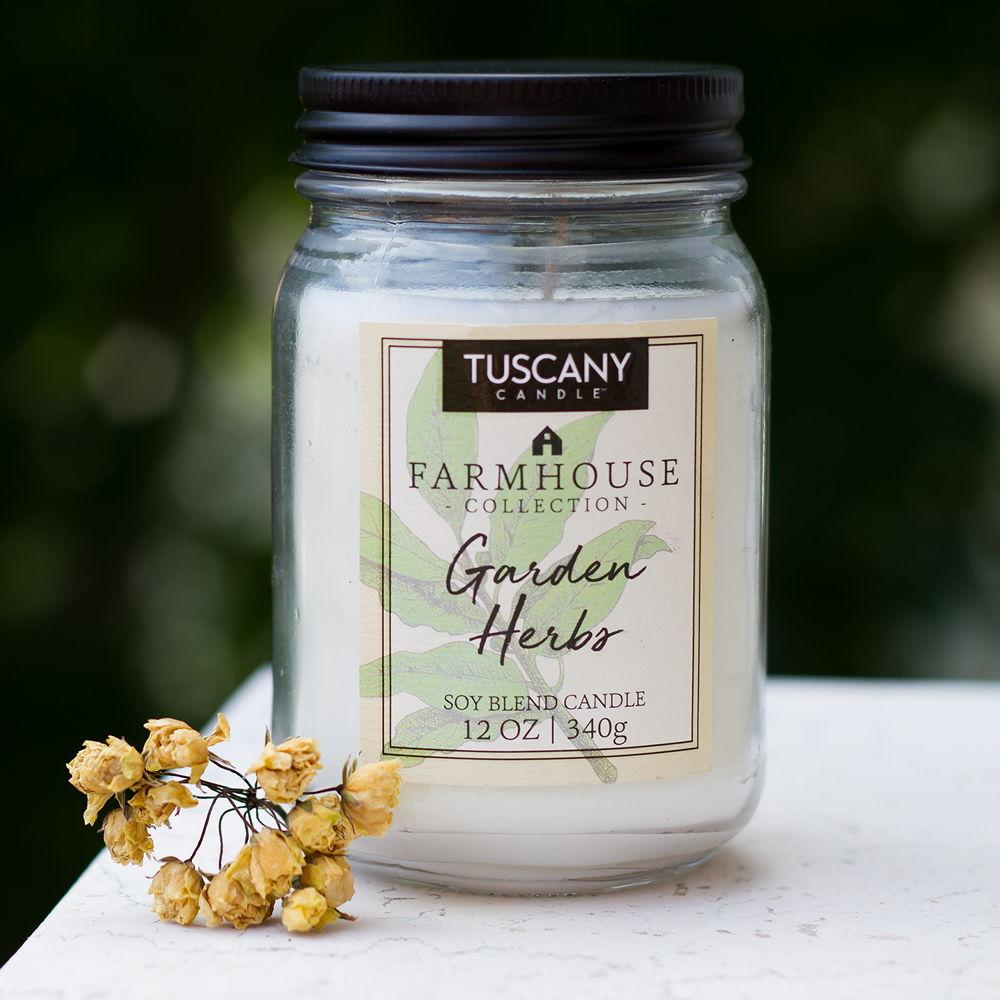 Candela Garden Herbs fresca erba tagliata e un pizzico di limone Tuscany Candle