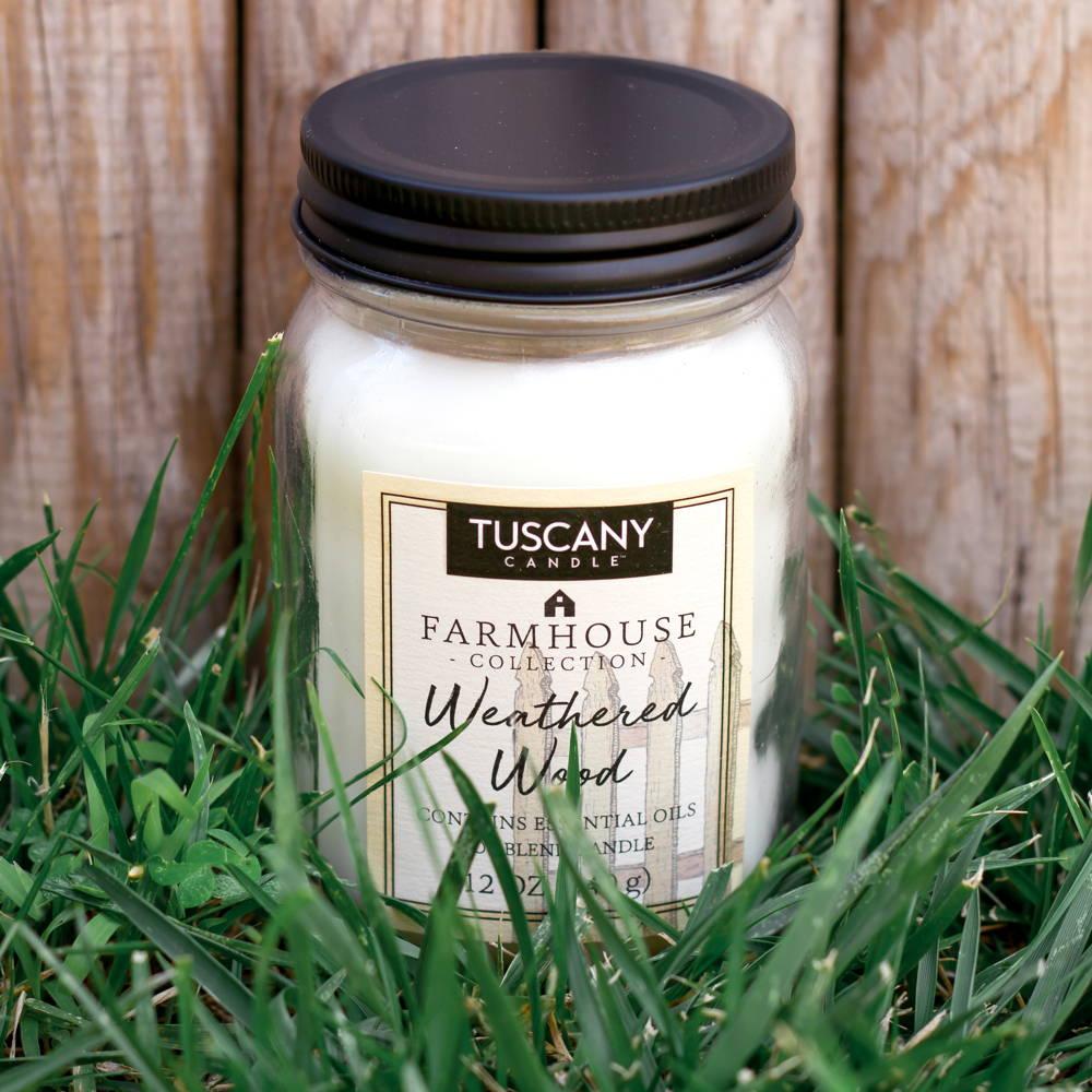Candela Weathered Wood legno asciugato al sole e aria fresca Tuscany Candle